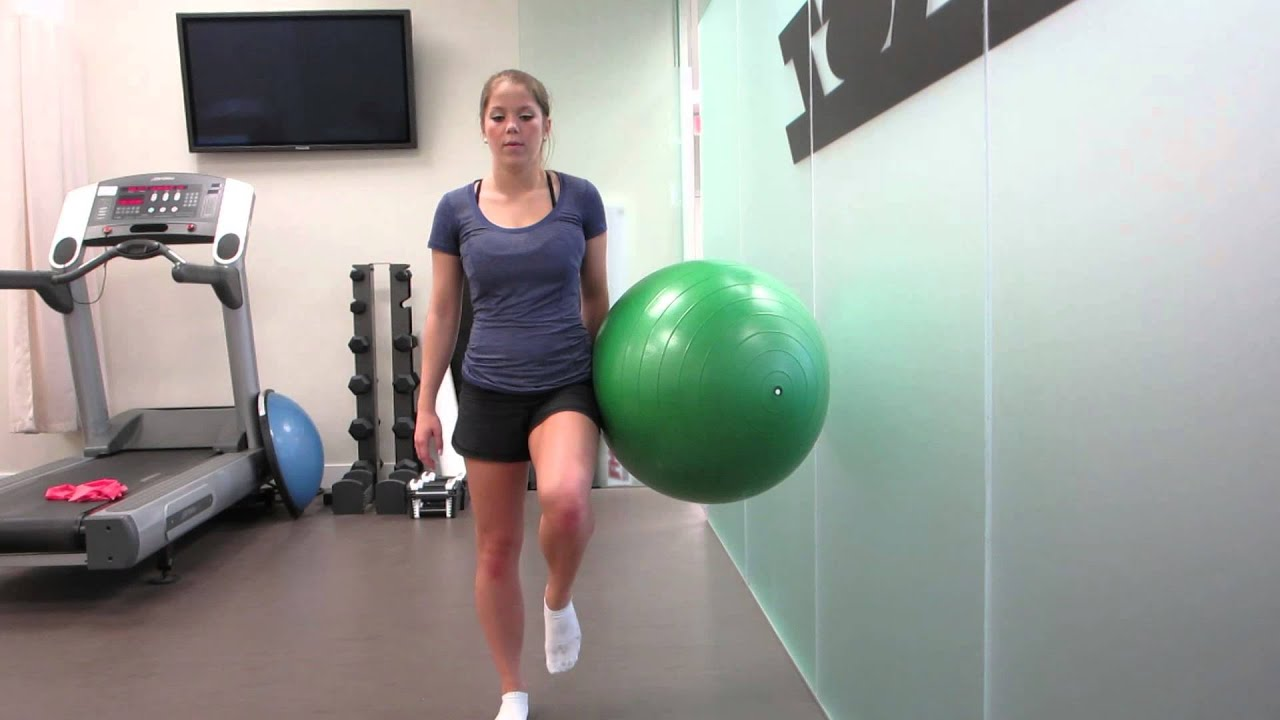 pics How to Do an Exercise Ball Squat
