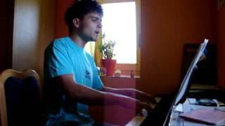 Alexander Rybak - Fairytale (singing and playing by Kevin) piano...