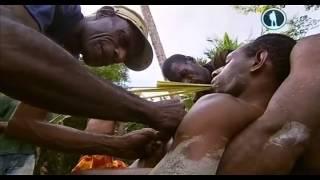 Папуасы  Между двумя мирами