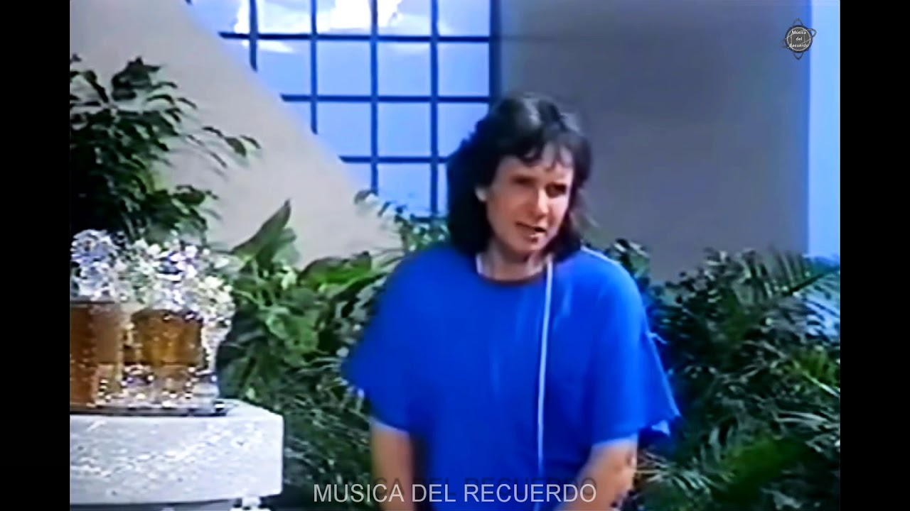 Cielo cubierto de nubes grises todo el día y alguna lluvia o llovizna por la tarde. Es el último día que no veremos el sol. Los próximos días serán soleados y con temperaturas al alza. Hoy será el último día encapotado con lluvias finas. Y de esa lluvia fina en el parabrisas nos habla el gran Roberto Carlos, un cantautor brasileño, uno de los principales representantes de la Música Popular Brasileña y balada romantica siendo, además, uno de los artistas latinos que más discos ha vendido en todo el mundo, más de 150 millones de copias.