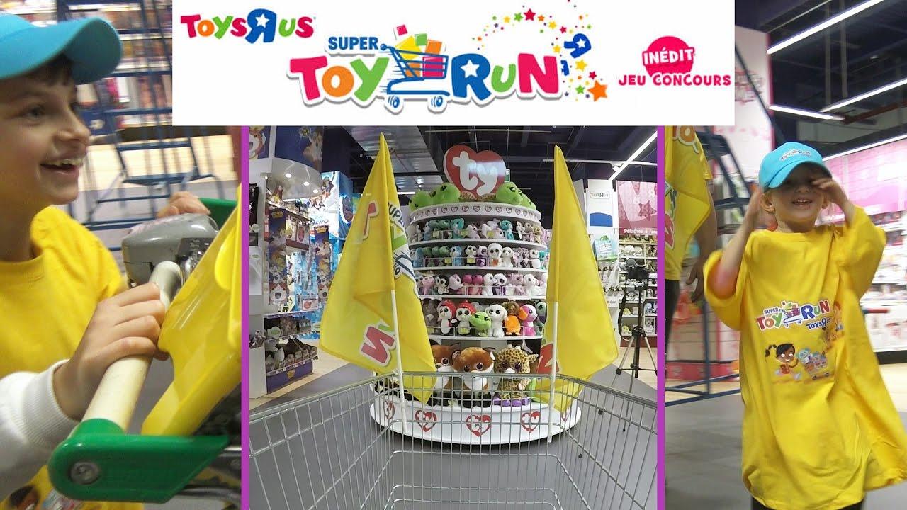 challenge course aux jouets toys r us studio bubble tea super toy run youtube. Black Bedroom Furniture Sets. Home Design Ideas