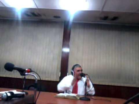 PREDICANDO EN RADIO CORPORACION 1380..EN SANTIAGO DE CHILE 27/5/2013