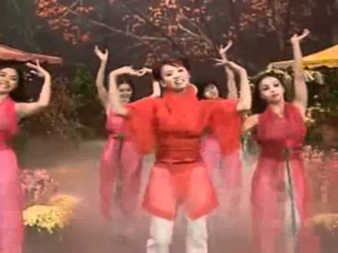 Khuc Nhac Mung Xuan - Trish Thuy Trang.flv