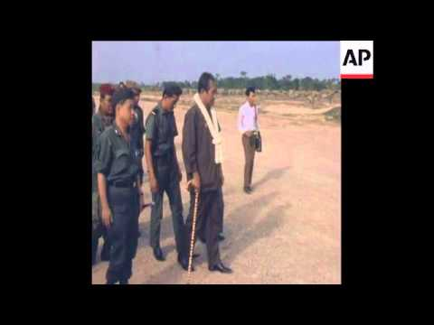 SYND 28 4 73 CAMBODIAN PRESIDENT LON NOL TOURS SIEN REAP MEETS TROOPS