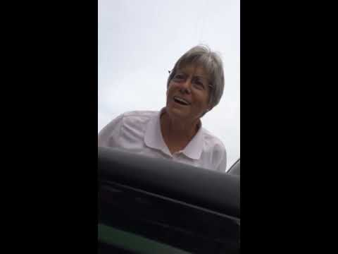 Hit and run handicap parking lady gets put in her place