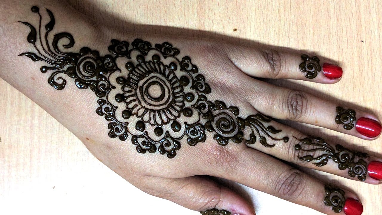 Stylish henna designs for hands new mehndi styles morewallpapers - Affordable Floral Backhand Mehndi Design Best Backhand Mehndi Design Floral Henna Design With Easy Mehndi Design Backhand