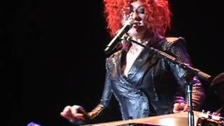 CYNDI LAUPER - Time After Time (Live in Madrid)