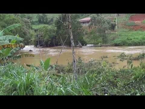 Enchente no Rio Santa Lúcia em Santa Teresa 20 12 2013