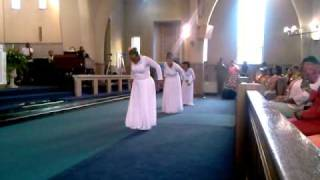 "The Redeemed Praise Dancers - Vicki Yohe ""You Amaze Me"""