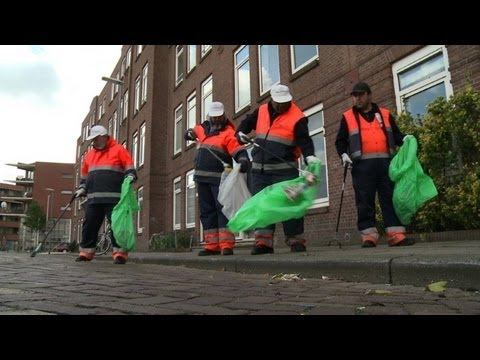 Jobless put to work in Rotterdam to earn their keep