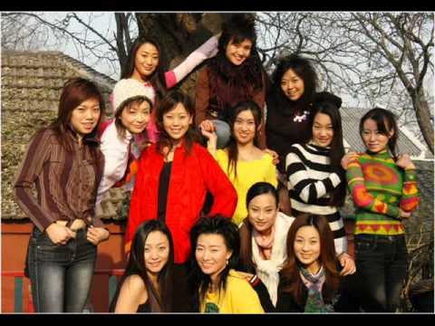 12 Girls Band - 女子十二乐坊 - Un banc, un arbre, une rue (complete version)