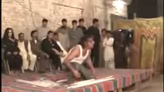 A Crazy Pakistani Wedding BREAK Dancer Watch  110 www yaaya mobi
