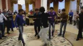 чеченцы танцуют лезгинку на свадьбе 2014