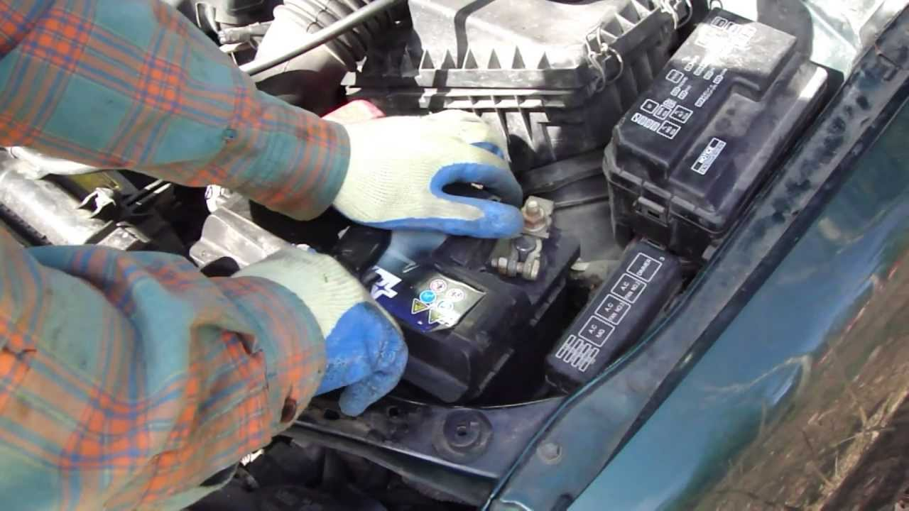 How to change battery in Toyota Corolla Years 19962011 (28)  YouTube