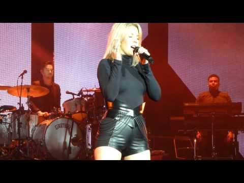 Ellie Goulding - Aftertaste (& Intro), Holding On For Life, Goodness Gracious (HD) live 22.01.16