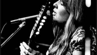 Watch Sandy Denny Green Grow The Laurels video