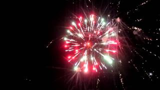 MVI_0916.MOV(Салют в честь Дня Победы. Мордово, Тамбовская область, 9 мая 2012 год., 2012-05-09T21:07:07.000Z)