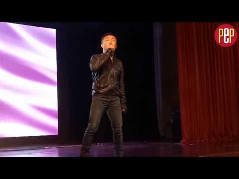 Arnel Pineda sings