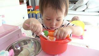 赤ちゃん初めてのおままごと アンパンマン掃除機のおもちゃとお料理ごっこ遊び