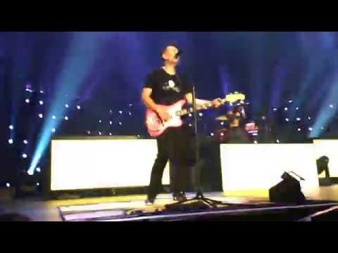 Blink 182- Dammit (Guy Runs on Stage) [Live- San Diego- 7/21/16]