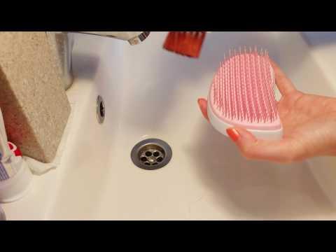 How I clean my Tangle Teezer
