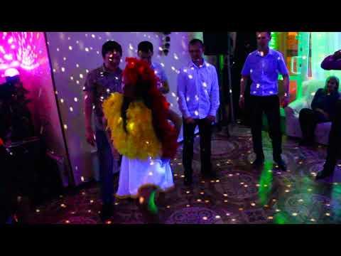 Банкетный зал Шекспир  Новогодний корпоратив  Год Петуха  Танец курочки