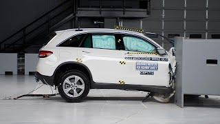 2018 Mercedes-Benz GLC passenger-side small overlap IIHS crash test