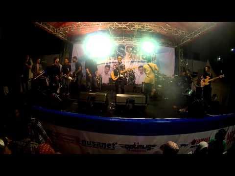 Belangkon Haji and Gemblong Junkie - Dancing With Jamaican SKA
