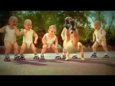 مضحك جدا أطفال يرقصون على اغنية ديسباسيتو humorous infants dancing on despacito
