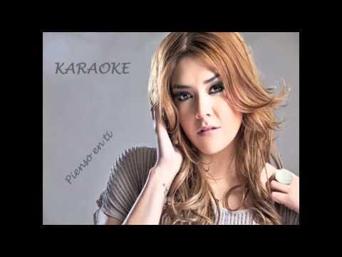 Yuridia - Pienso En Ti (Karaoke)