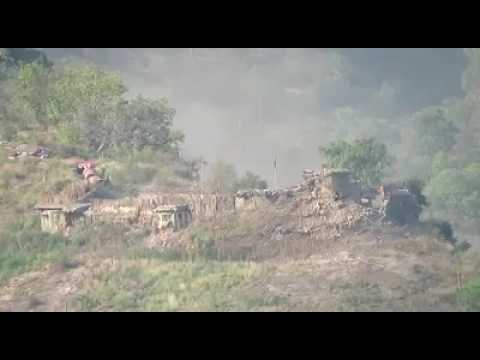 Pakistan army vs indian army mortar shelling  on Indian posts along Kashmir LOC by Pakistan army.