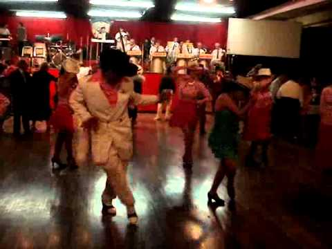 baile en salon los angeles  YouTube