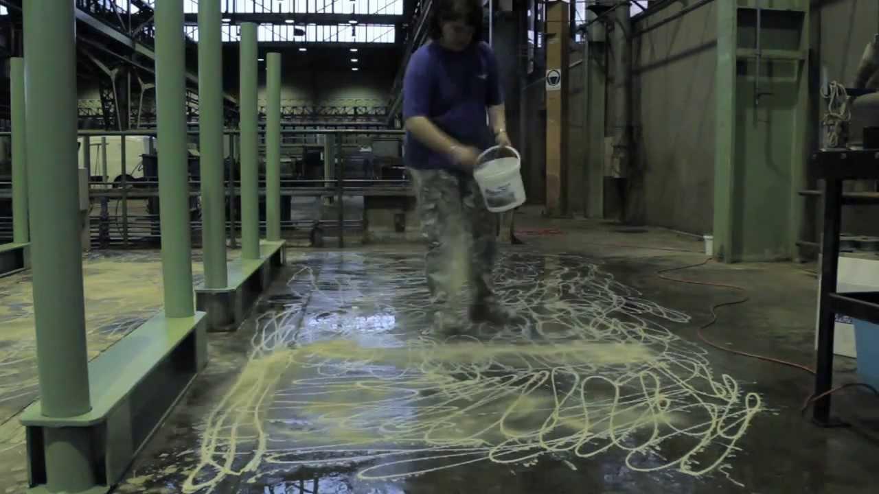Pulizia pavimentazione industriale in cemento youtube - Pulizia pavimenti esterni ...
