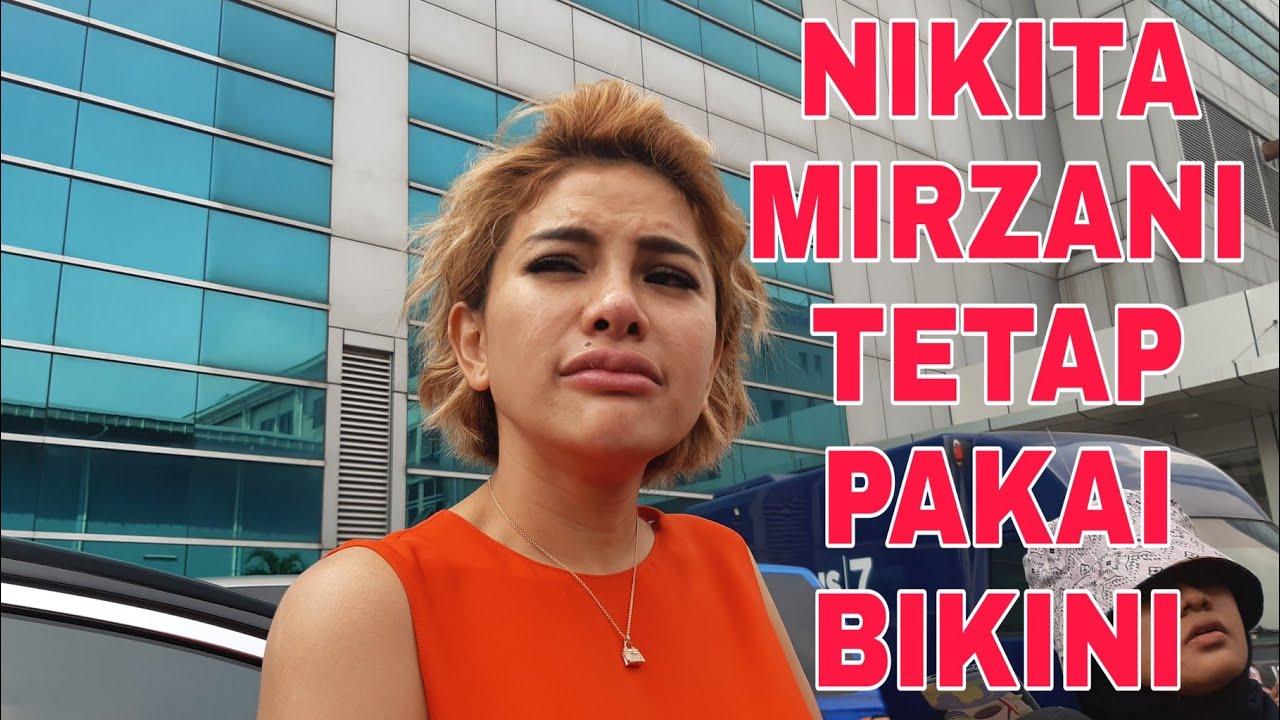 Nikita Mirzani Umroh