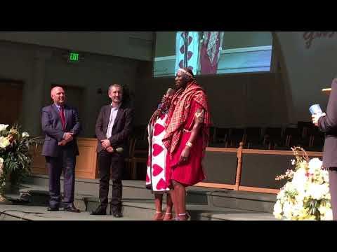 Гости из Кении исполняют песню на родном языке- Международный Миссионерский Форум ЗАЖЖЁН ДЛЯ ХРИСТА