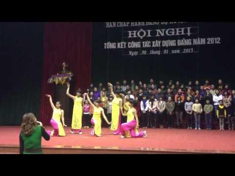 Mùa xuân dâng Đảng - Xã Tứ Hiệp( tập hát múa)