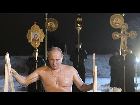 Russos assinalam Epifania Ortodoxa com tradicional mergulho em águas geladas