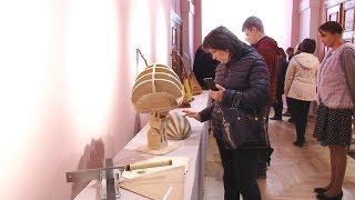 В Музее Белорусского Полесья открылась выставка музыкальных инструментов