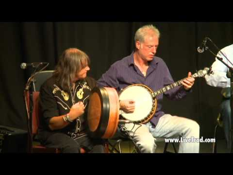 Old Dé Danann - Traditional Irish Music from LiveTrad.com