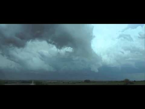 Kansas Lebanon, beautiful Supercell incl, Tornado (3-4km away)