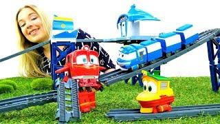 Розпакування: Роботи-поїзди і залізниця. Паровозики і рейки