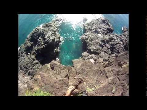 Cliff Jump - Mauritius.flv
