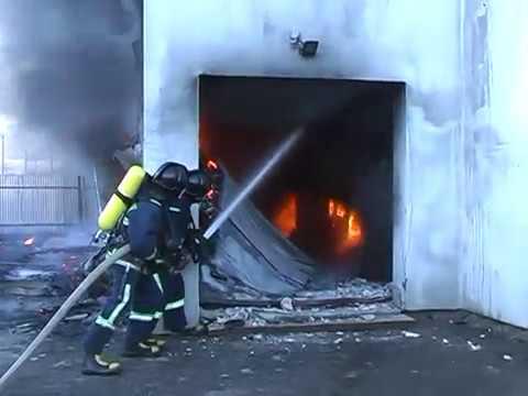 Рятувальники ліквідували пожежу складу готової продукції