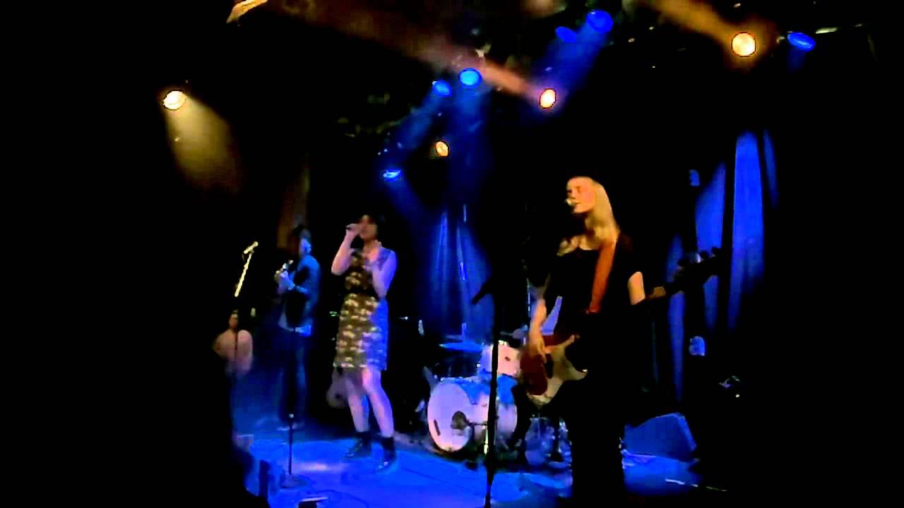 iisa-polulta-harhaan-live-yo-talo-12-11-15-loveissickandwrong