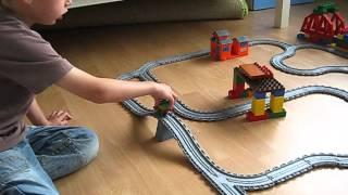 Toby legt uit Thomas de Trein