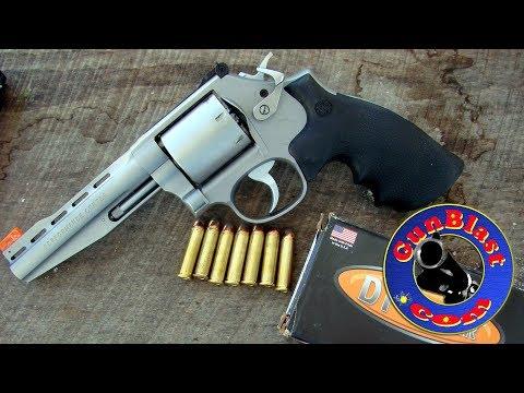 Shooting the Smith & Wesson Performance Center® Model 686 Plus 7-Shot 357/38 Revolver - Gunblast.com