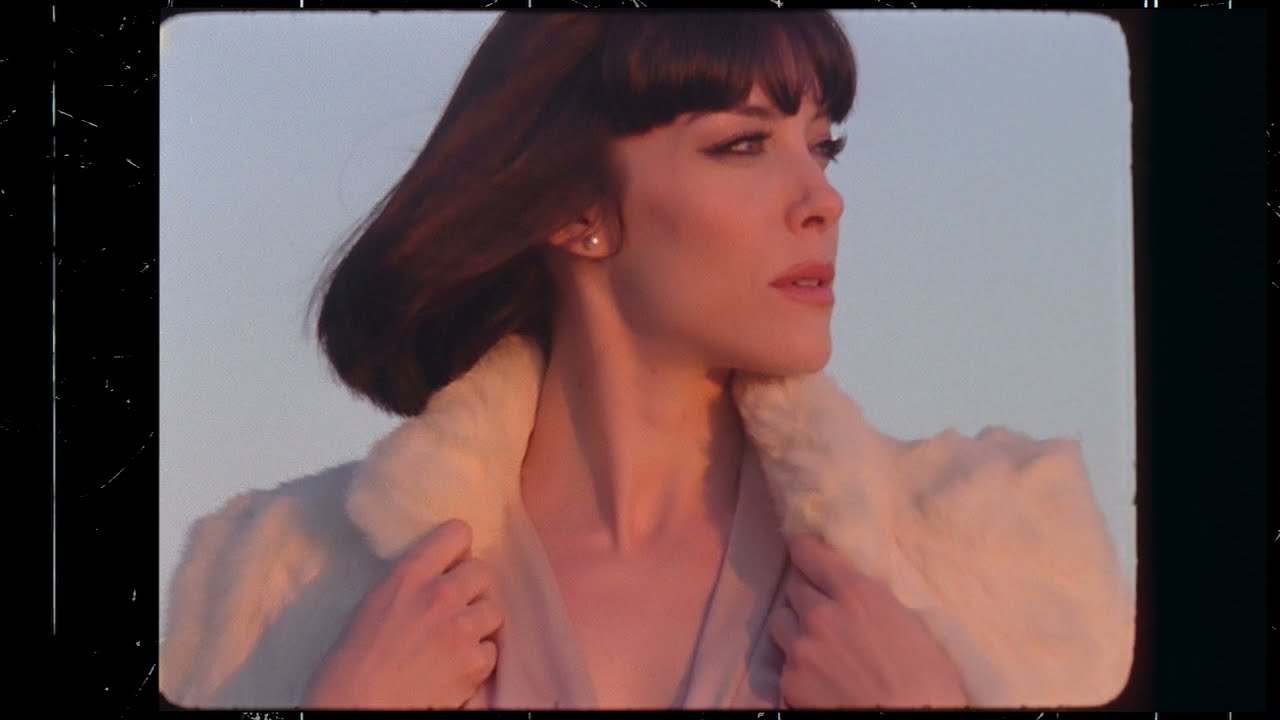 Download Elise LeGrow - Feel Alright (Visualizer)
