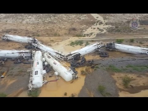 Train carrying sulphuric acid derails in Australian outback - Times