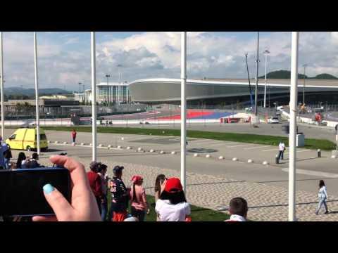 Первый круг Формулы-1 Гран-при Сочи-2016 (с машиной безопасности)
