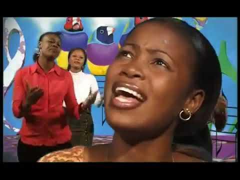 Charles MOMBAYA feat Sandra MBUYI - Bandeke